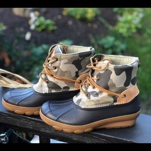 NWB! Sperry Wedge Boots